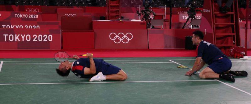 奧運/台日友好!台灣黃金男雙擊敗日本 對手比讚尊敬