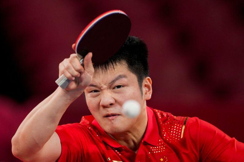 ▲大陸球王樊振東在東京奧運4強戰擊敗林昀儒。(圖/美聯社/達志影像)