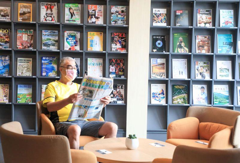 ▲台中市府為紮根文化,在外埔打造星級圖書館,提供在地人舒適閱讀環境。(圖/市府提供)