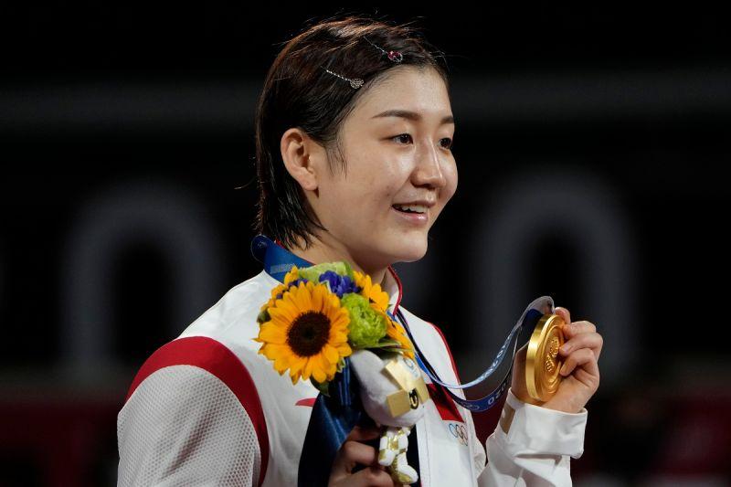 ▲陳夢奪得東京奧運女單金牌。(圖/美聯社/達志影像)