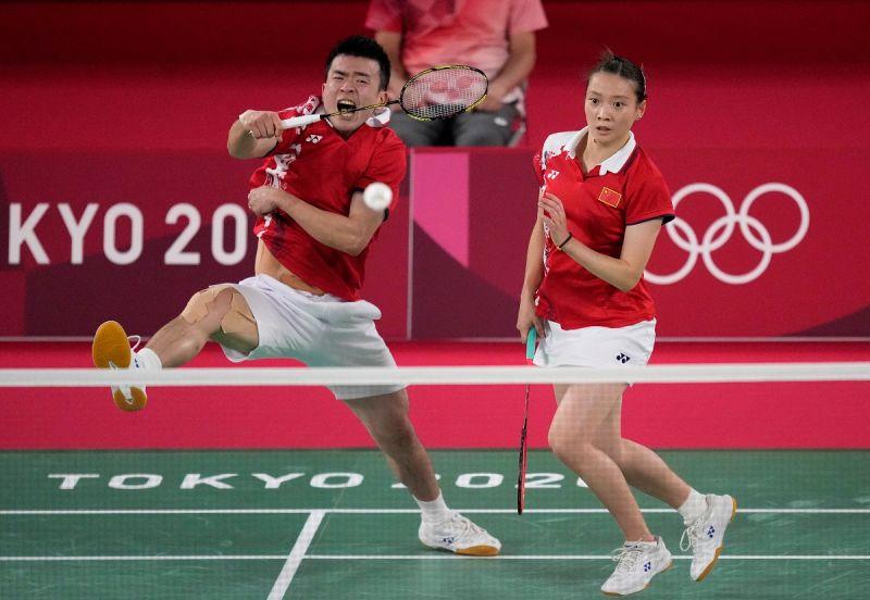 ▲黃雅瓊/鄭思維在東京奧運混雙決賽意外爆冷丟金。(圖/美聯社/達志影像)