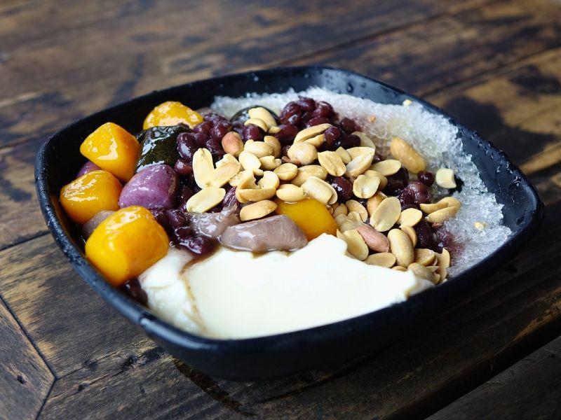 豆花的「湯」選啥才好吃?網推2絕配:可不加料吃完整碗