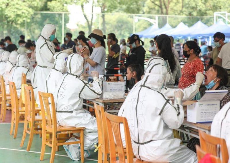 ▲8月1日起,揚州市開展主城區第2輪大規模核酸檢測,涉及對象170萬人。(圖/翻攝自人民日報)