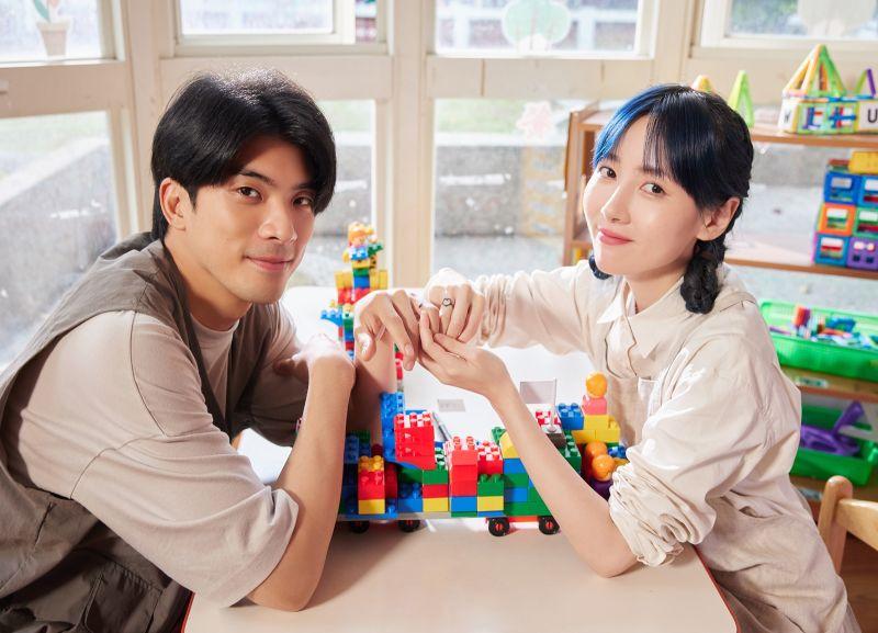 ▲F.I.R.推出新歌《愛在蔓延時》MV,由林哲熹出演男主角。(圖/華研國際提供)