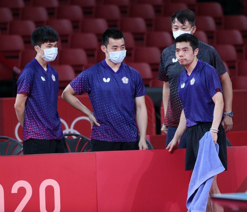 ▲東京奧運男團桌球林昀儒、教練蔣澎龍、莊智淵、陳建安。(體育署)