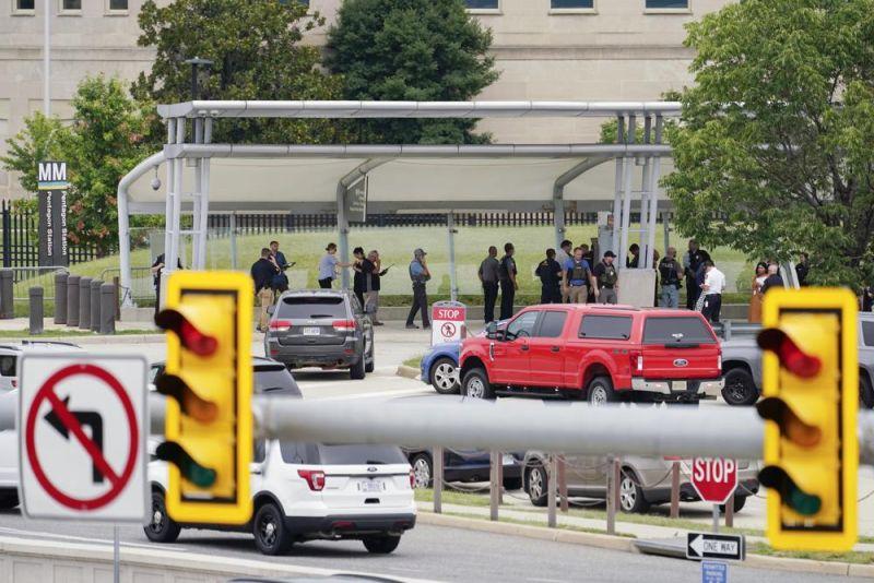 ▲五角大廈附近的公車轉運站發生槍擊事件。(圖/美聯社/達志影像)
