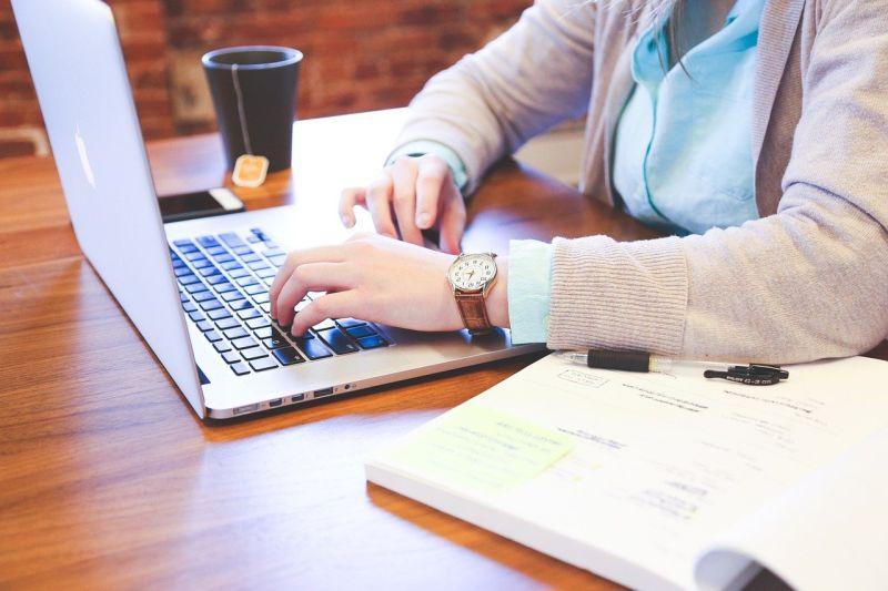 ▲文組畢業高薪工作?網說「這職業」。(示意圖/翻攝自pixabay)