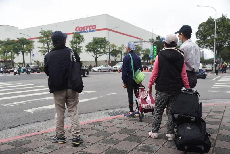 ▲美式賣場Costco好市多內湖店今(5)日下午緊急停業清消。(圖/NOWnews資料照,記者陳明安攝)