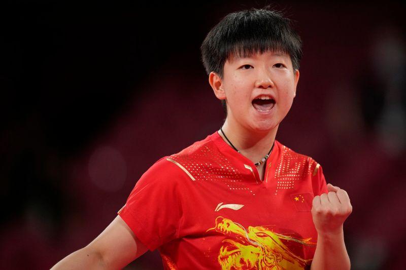 ▲中國大陸桌球女將孫穎莎,在女子團體戰金牌擔任第二點單打選手。(圖/美聯社/達志影像)