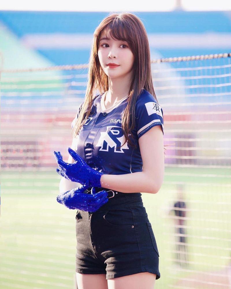▲▼Yuri是「樂天女孩」人氣成員,近年嘗試演戲。(圖/陳怡叡臉書、IG)