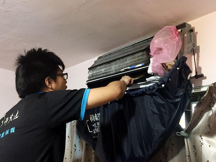 ▲冷氣機每2年請專業廠商清潔,可讓吹出空氣更清新。(圖/淨芙達提供)