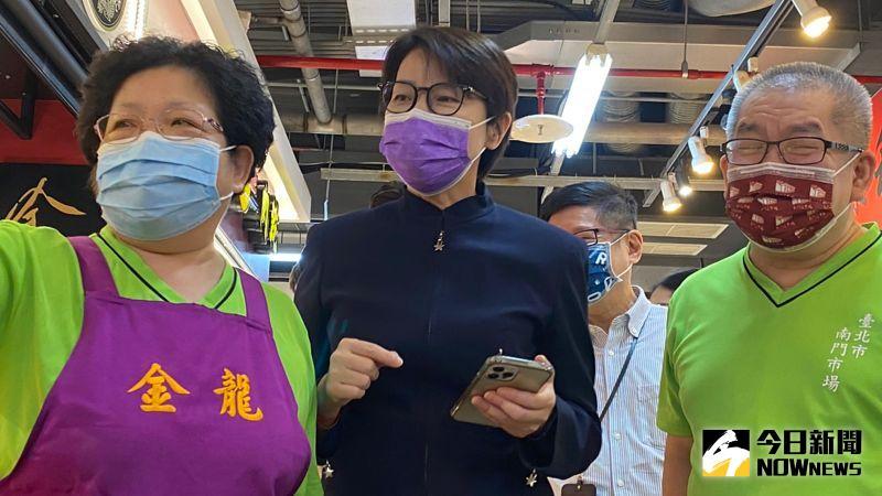 ▲台北市副市長黃珊珊12日上午前往南門市場,視察數位轉型的成果。(圖/記者丁上程攝,2021.08.12)
