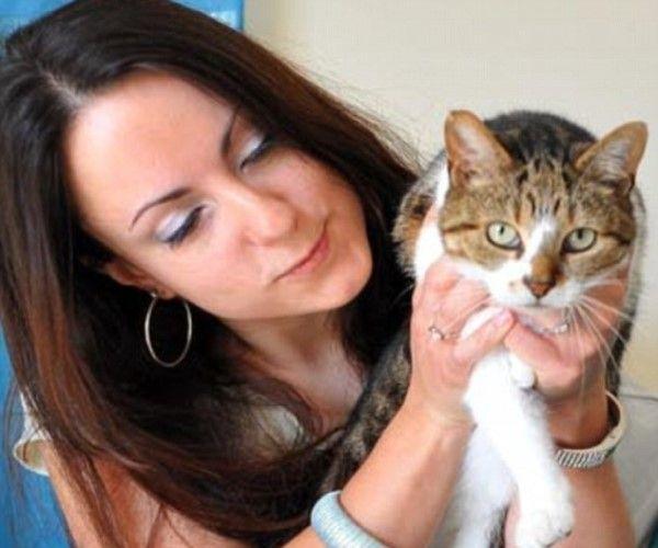▲三花虎斑貓「Piggy」是一隻有特殊怪癖的貓咪。(圖/Dailymail.co.uk)