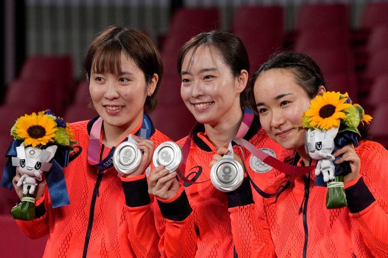 ▲日本女團拿下東奧銀牌。(圖/美聯社/達志影像)