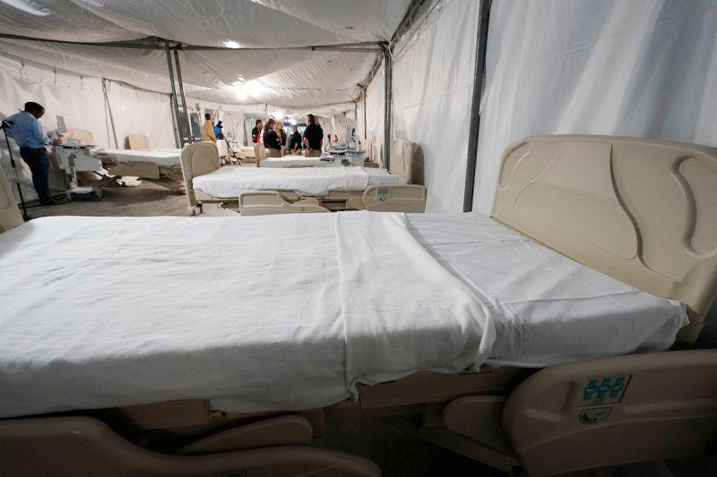 密西西比州疫情煞不住 醫院停車場改建野戰醫院
