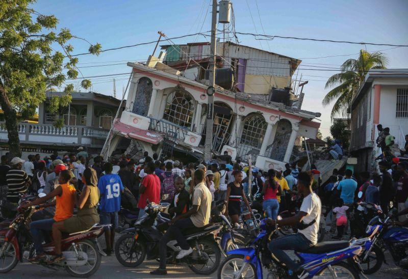 海地強震至少304死1800傷 全國進入緊急狀態一個月