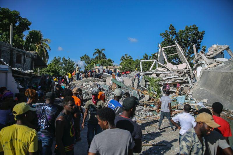 海地強震傷亡攀升  至少304死1800傷