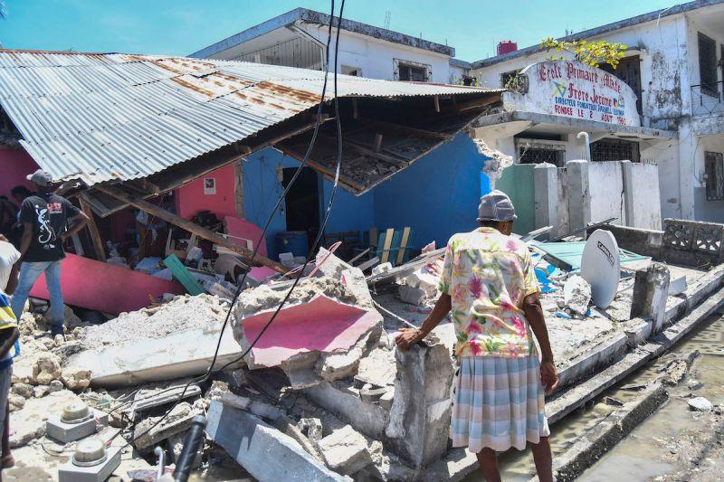 海地7.2強震餘震一直來 民宅教堂成廢墟、逾300人死亡