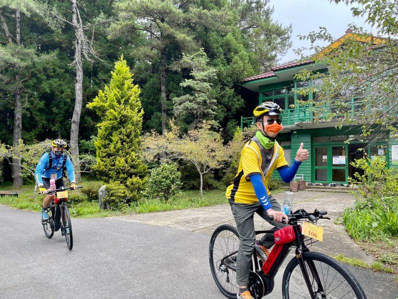 ▲車友體驗沿途的自然林蔭,與山林密境道路(圖/參山處提供2021.8.15)
