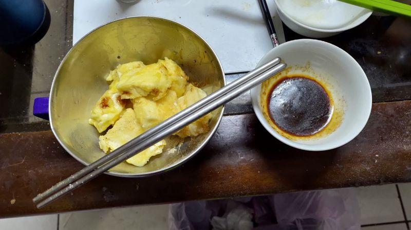 ▲女網友貼出成品後,好奇詢問「怎麼炸才會酥脆好吃呢?」(圖/翻攝廚藝公社臉書)