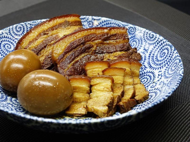 ▲「紅燒肉」是一道常見的家常美食,通常會以豬肉及醬油為主原料製做而成,非常適合拿來配飯吃。(圖/取自pixabay)