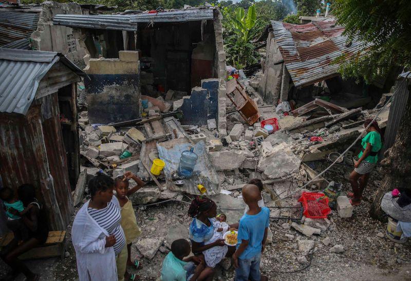 ▲規模7.2的大地震重創海地,至今已知至少有724人喪生(圖/美聯社/達志影像)