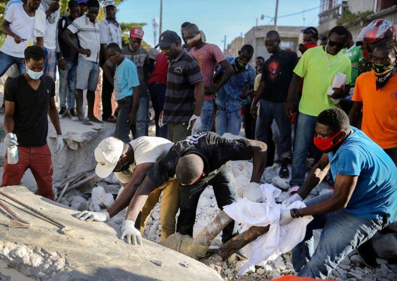 ▲海地當局宣布,在上個月發生大地震後,新學年將延後開始。(圖/美聯社/達志影像)