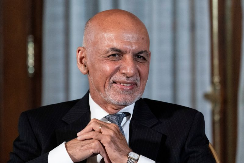 阿富汗總統出逃不忘帶大量現鈔!俄媒爆:塞不完還丟跑道
