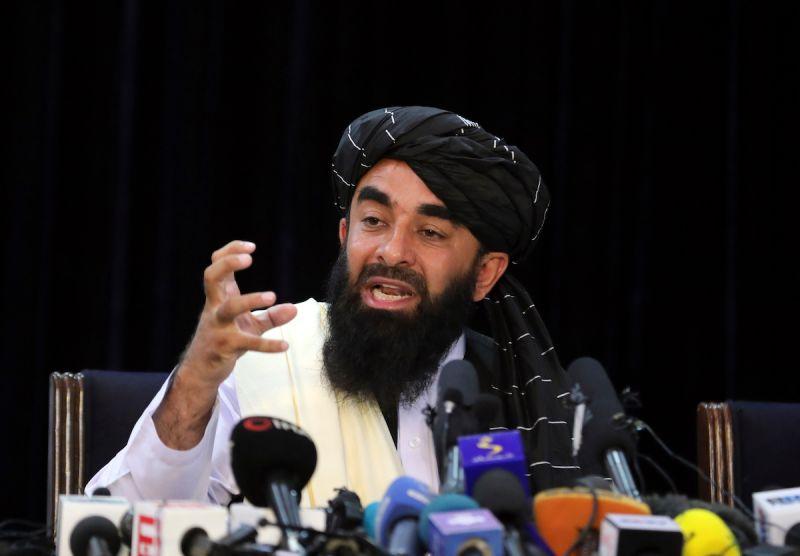 ▲塔利班發言人穆賈希德表示,只有國際社會承認塔利班政府,他們才能處理外界批評的人權議題。(圖/美聯社/達志影像)