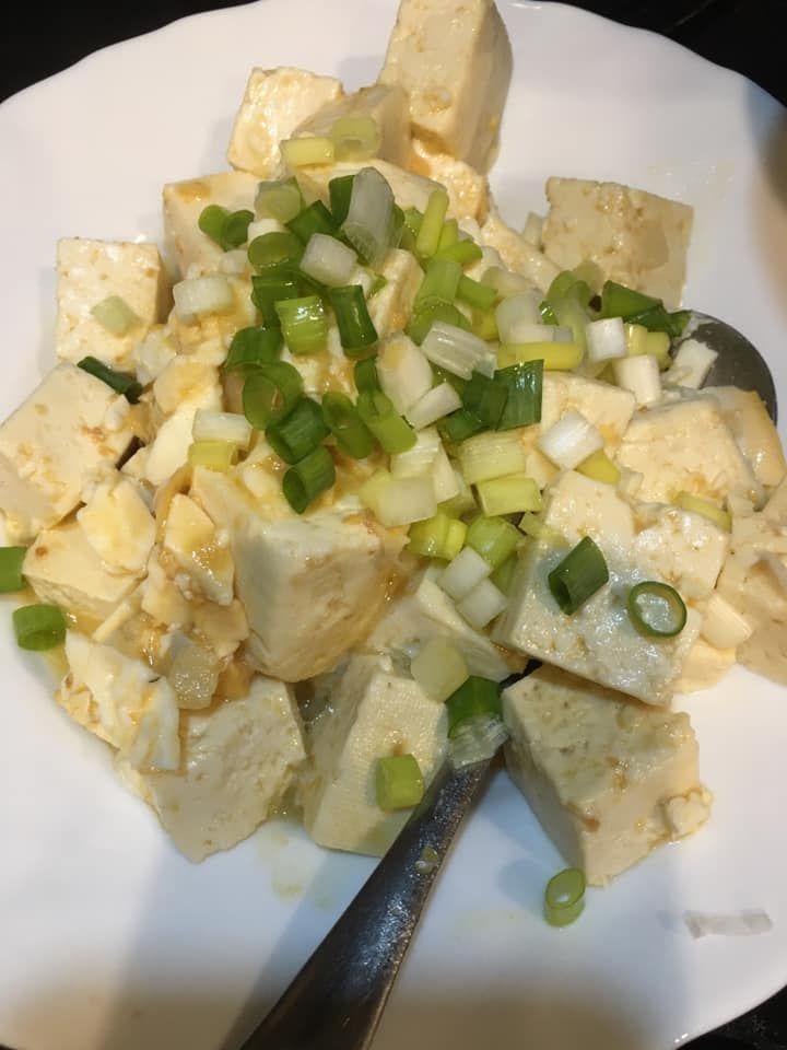 ▲女網友分享鹹蛋炒豆腐的料理撇步。(圖/翻攝廚藝公社臉書)