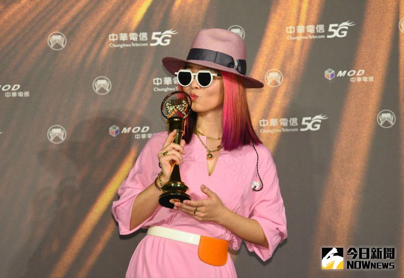 ▲?te壞特奪下第32屆金曲獎「最佳新人」,承諾未來會繼續努力。(圖/NOWnews攝影中心提供)