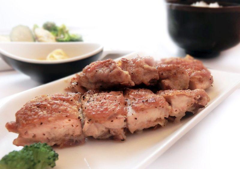 煎雞腿排要配啥醬才讚?內行推「絕搭香料」:好吃又對味