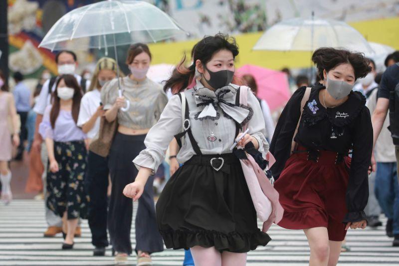 日本新增確診1萬6012例 60人染疫不治