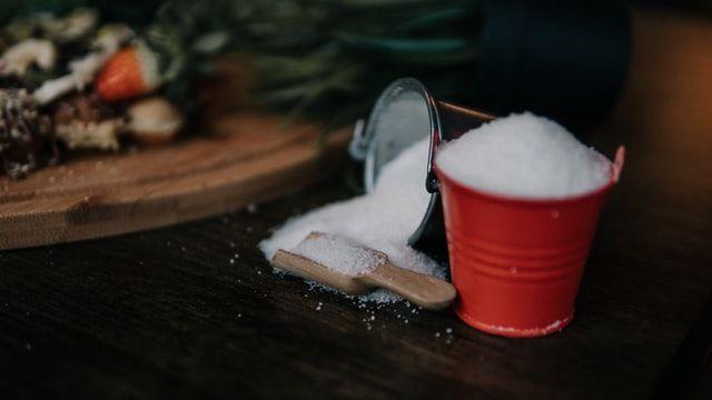 ▲原PO在網路論壇《Dcard》上討論有人會在白飯裡加糖嗎?(示意圖/翻攝自upsplash)