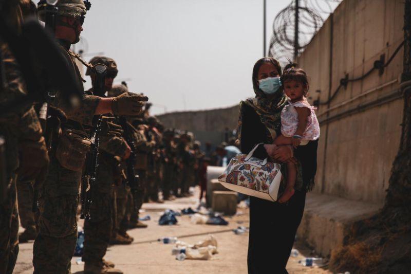 ▲阿富汗淪陷,美軍在喀布爾國際機場協助阿富汗人撤離。(圖/美國國防部)