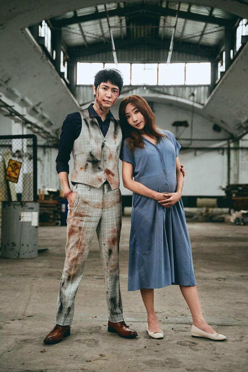 ▲李宓(右)與陳璽安在MV中亡命天涯。(圖/亞凰國際娛樂提供)