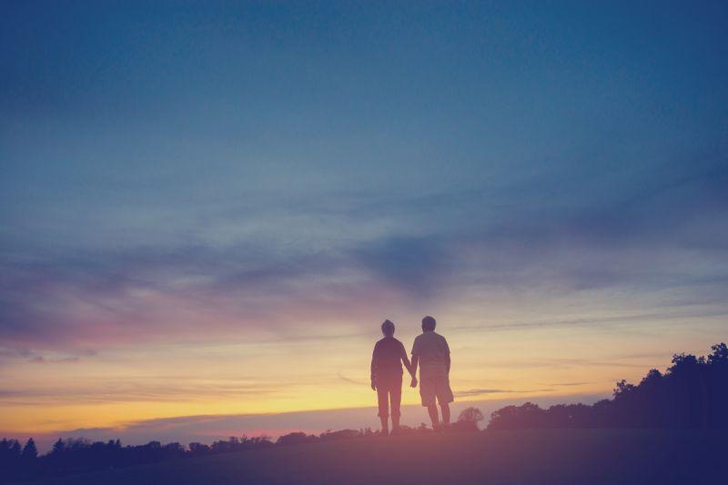 ▲《一渺流年》描述兩地漂零、鄉愁及與知己情感交纏的故事。(圖/鏡文學提供)
