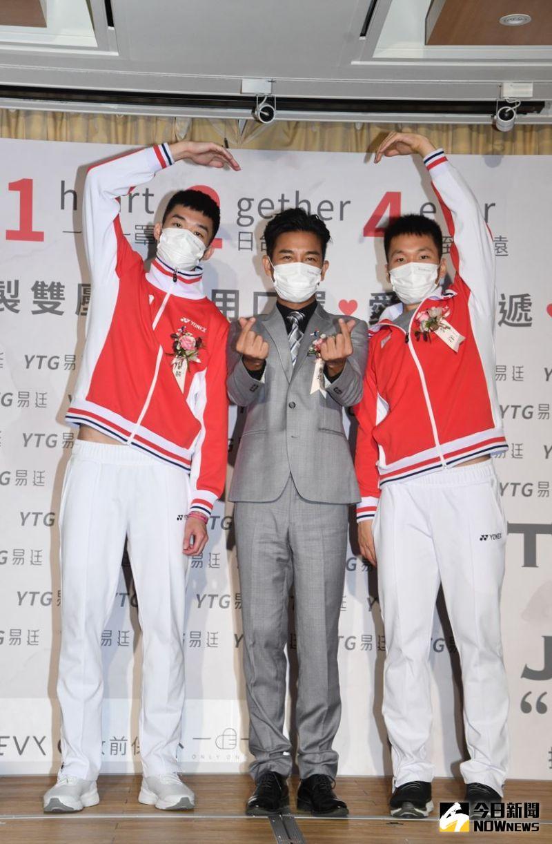 ▲王齊麟(左起)、謝承均、李洋是球友。(圖/林柏年攝)