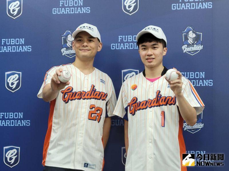 ▲林昀儒前往新莊棒球場為富邦悍將開球。(圖/黃建霖攝)