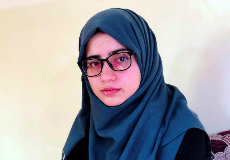 ▲18歲的阿富汗女學生巴蘭,榮登大學入學考試榜首,但在塔利班重新掌權、國家陷入混亂之際,巴蘭很難真正感到喜悅。(圖/美聯社/達志影像)