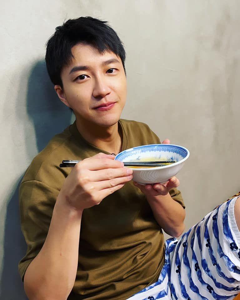 ▲32歲江宏傑樂當單親奶爸。(圖/江宏傑臉書)