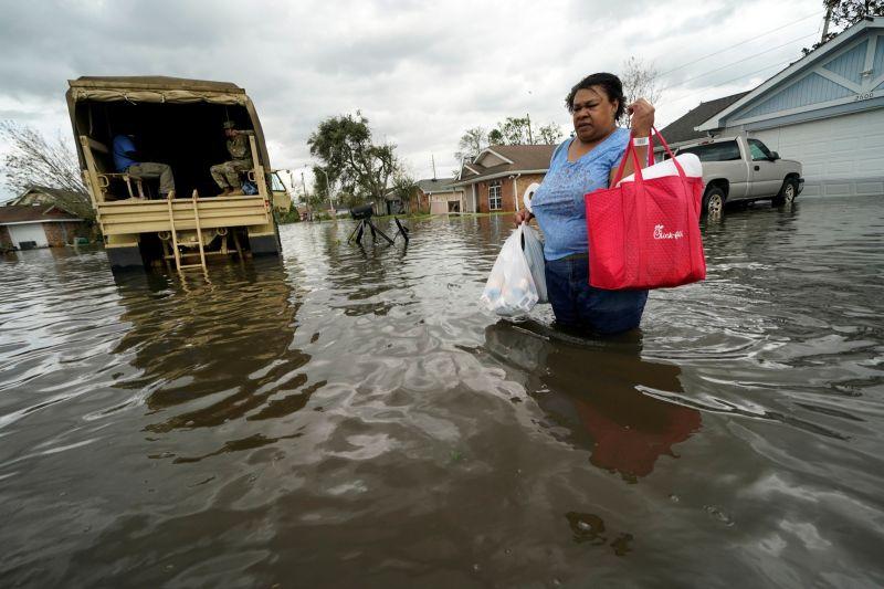 ▲威力強大的颶風艾達(Hurricane Ida)侵襲美國南部路易斯安那州,造成至少1人死亡,包括紐奧良整座城市,有超過100萬居民斷電。(圖/美聯社/達志影像)