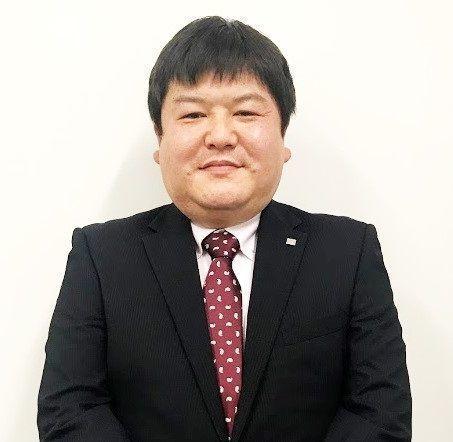▲日本LAWSON超商的經營部部長林弘昭,被稱為「香腸人」。(圖/翻攝自《食品產業新聞SSNP》)