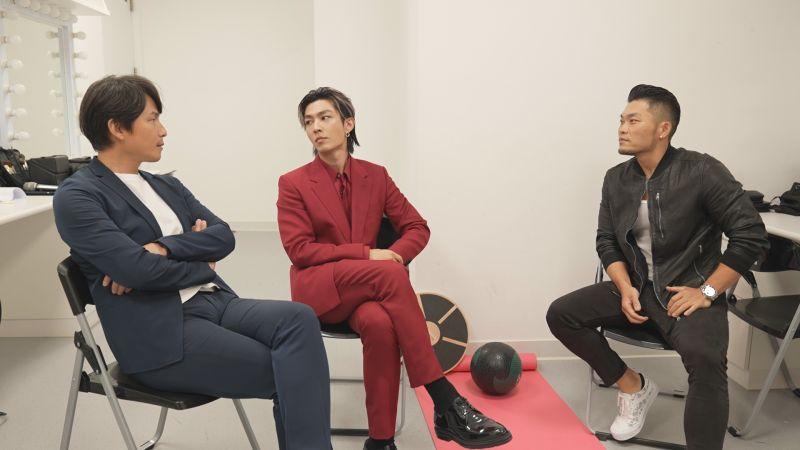 ▲炎亞綸(中)與孫協志(左)、李玖哲(右)不斷對玩家下馬威。(圖/用心娛樂提供)