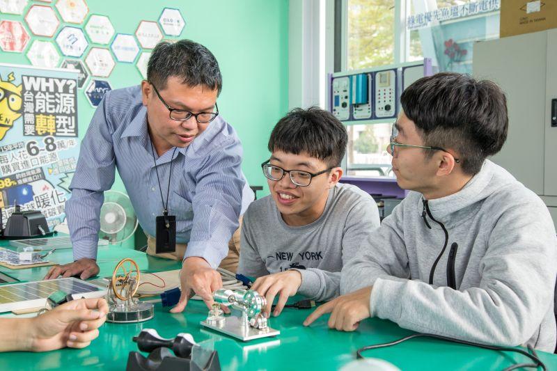 ▲綠能中心研究團隊聚焦在「節能」、「創能」、「儲能」及「系統整合」等四大主軸。(圖/資料照片)