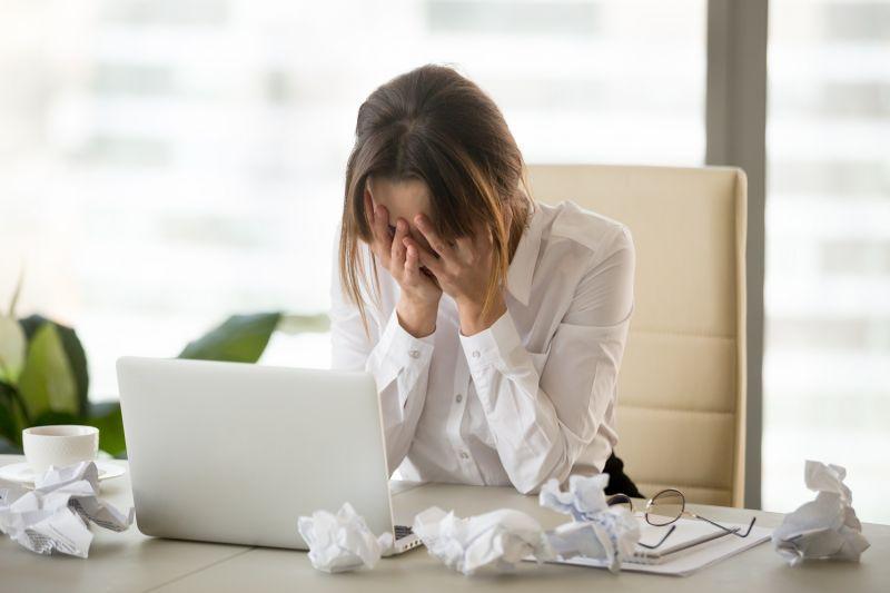 ▲學習獨自承擔壓力,也是成長的必備技能。(圖/Shutterstock)