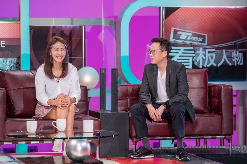 ▲賈永婕(左)難得與老公同框。(圖/TVBS提供)