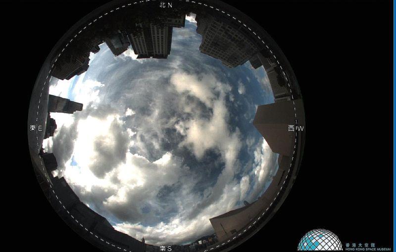 ▲正常的鏡頭應該是像這樣,拍攝天象。(圖/翻攝自香港太空館網站)