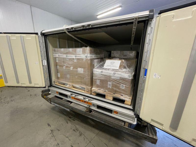 波蘭贈台40萬劑AZ疫苗運扺 檢驗封緘後供施打