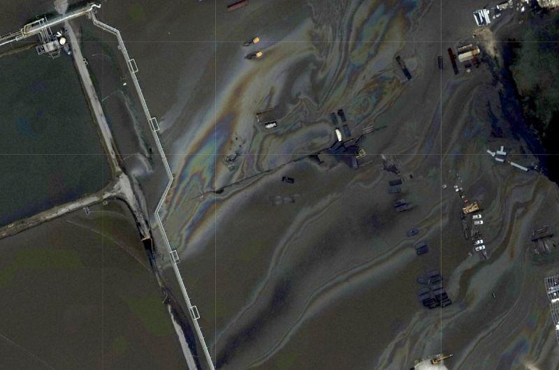 ▲颶風艾達過境後,墨西哥灣水域出現面積可觀的漏油。(圖/美聯社/達志影像)